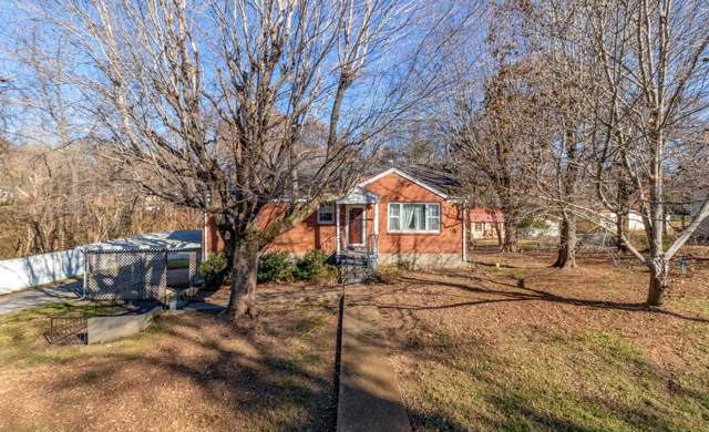 1301 Maple St, Greenbrier, TN 37073 (MLS #RTC2103229) :: RE/MAX Homes And Estates