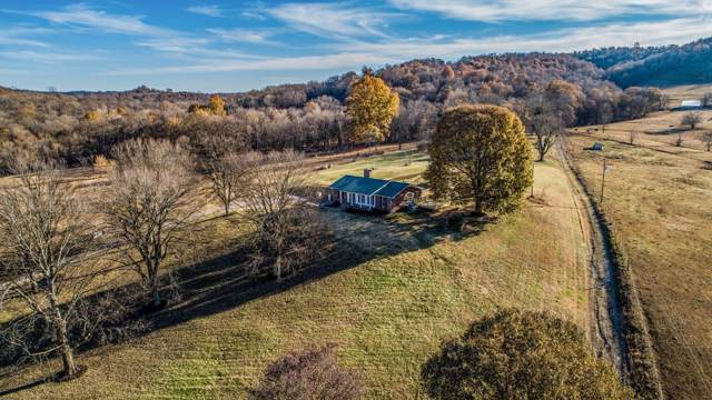 8158 Golf Club Rd, Mount Pleasant, TN 38474 (MLS #RTC2105057) :: DeSelms Real Estate
