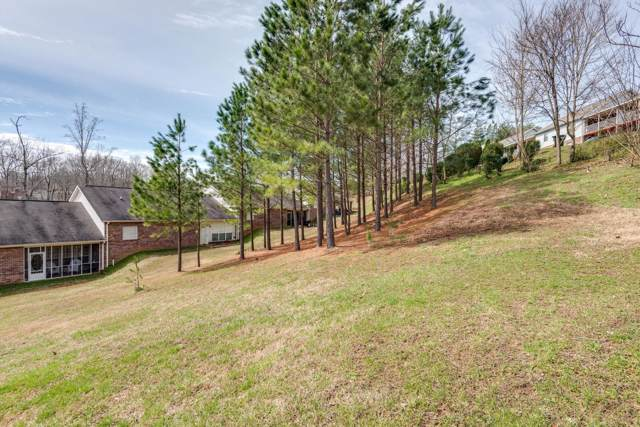 402 Village Cir, Dickson, TN 37055 (MLS #RTC2109590) :: Oak Street Group