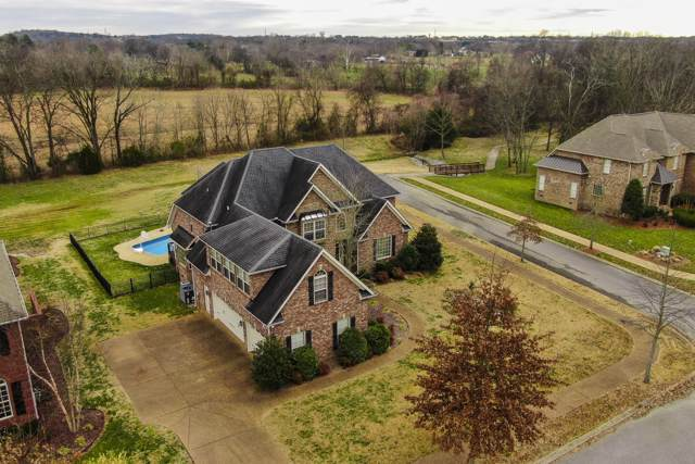 1000 Carlyle Ct, Hendersonville, TN 37075 (MLS #RTC2115429) :: The Kelton Group