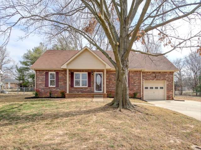 3387 Oak Park Dr, Clarksville, TN 37042 (MLS #RTC2116773) :: The Kelton Group