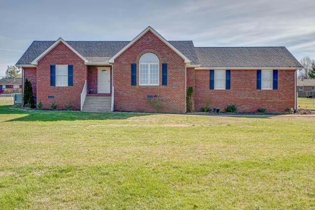 1002 Lakeview Cir, Dickson, TN 37055 (MLS #RTC2118508) :: Stormberg Real Estate Group