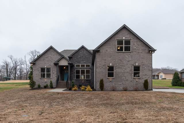 3561 Old Greenbrier Pike, Greenbrier, TN 37073 (MLS #RTC2123231) :: The Easling Team at Keller Williams Realty