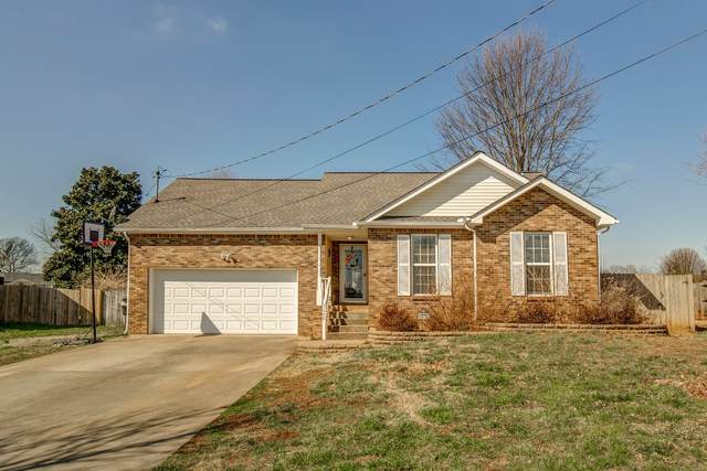 3688 Gracelawn Dr, Clarksville, TN 37040 (MLS #RTC2123342) :: The Group Campbell powered by Five Doors Network