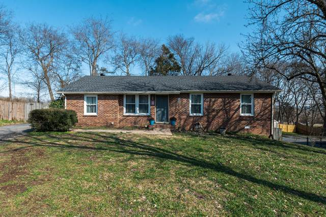 110 Hillwood Ct, Hendersonville, TN 37075 (MLS #RTC2123389) :: The Group Campbell powered by Five Doors Network