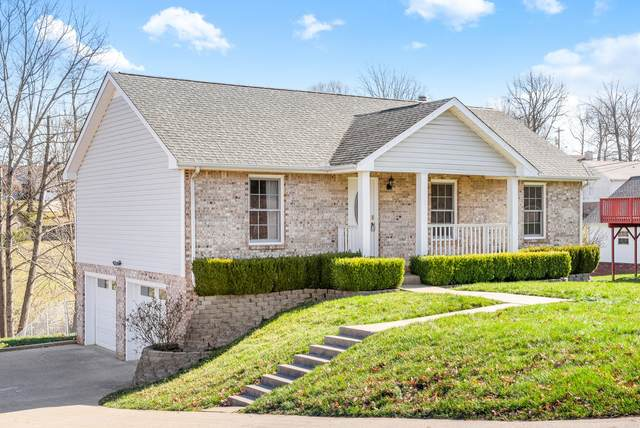 1713 Thistlewood Dr, Clarksville, TN 37042 (MLS #RTC2123430) :: The Group Campbell powered by Five Doors Network