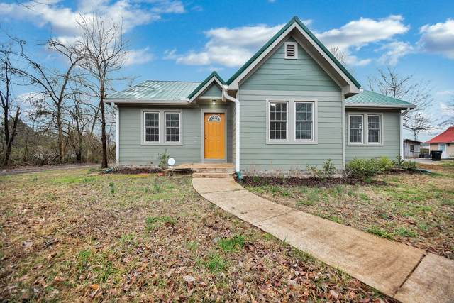 1115 Woodard St, Clarksville, TN 37040 (MLS #RTC2125211) :: Village Real Estate