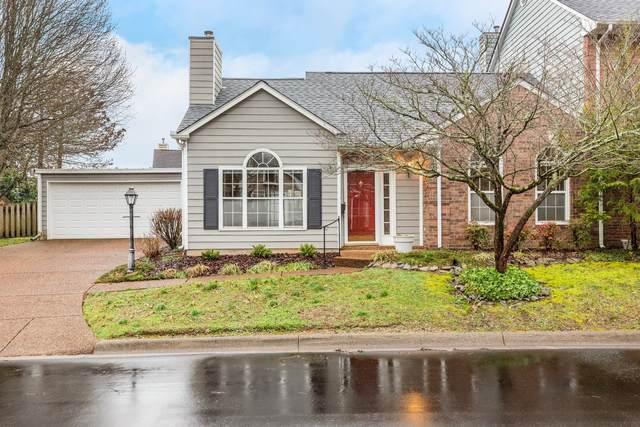 2001 Roderick Pl E, Franklin, TN 37064 (MLS #RTC2125229) :: Village Real Estate