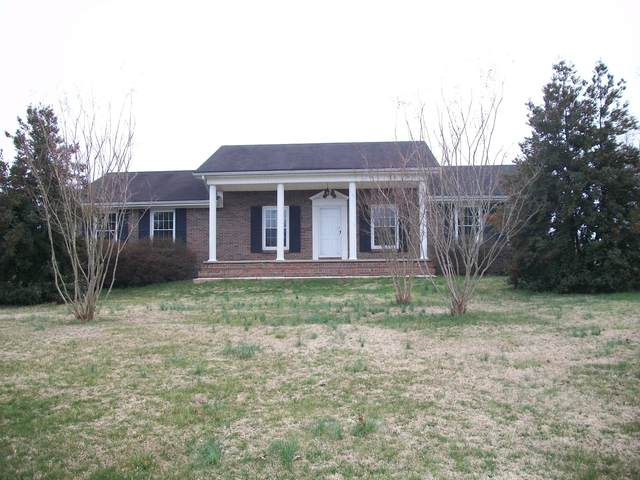 802 Days Rd E, Lafayette, TN 37083 (MLS #RTC2130440) :: Nashville on the Move