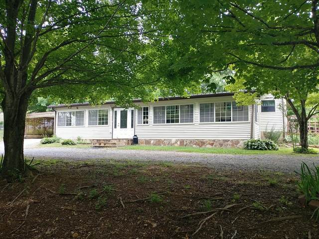 1902 Errel Dowlen Rd, Pleasant View, TN 37146 (MLS #RTC2133342) :: The Group Campbell powered by Five Doors Network