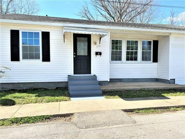 211 Carrell Ave., Lawrenceburg, TN 38464 (MLS #RTC2135426) :: DeSelms Real Estate