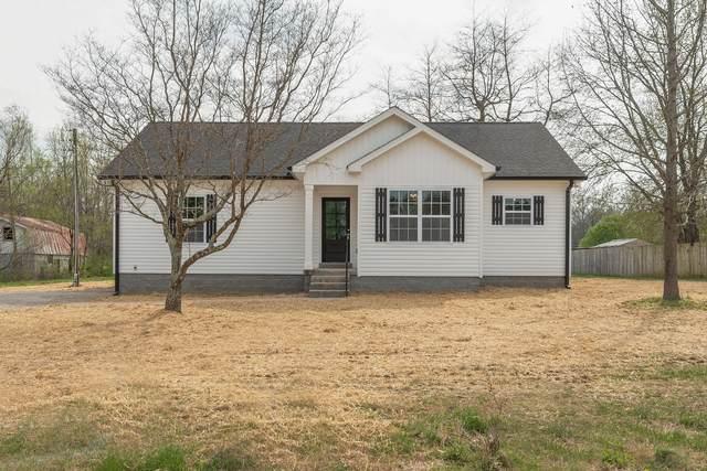 8543 Village Green Dr, Cross Plains, TN 37049 (MLS #RTC2136394) :: Stormberg Real Estate Group