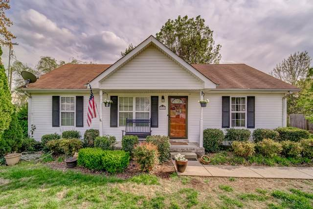 900 Granny White Rd, Clarksville, TN 37040 (MLS #RTC2136599) :: RE/MAX Choice Properties