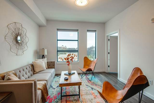 1900 12th Ave S # 212, Nashville, TN 37203 (MLS #RTC2137321) :: DeSelms Real Estate