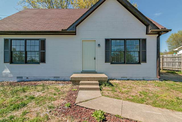 1900 Roan Dr, Clarksville, TN 37042 (MLS #RTC2137866) :: RE/MAX Homes And Estates
