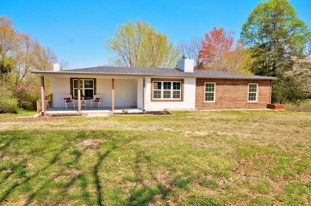 1001 Shelton Rd, Charlotte, TN 37036 (MLS #RTC2138789) :: The Helton Real Estate Group