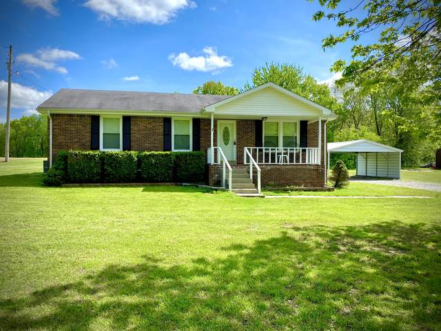 8553 Cedar Grove Rd, Cross Plains, TN 37049 (MLS #RTC2144130) :: Village Real Estate