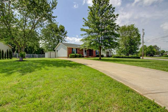 198 Bob White Dr, Clarksville, TN 37042 (MLS #RTC2149918) :: Maples Realty and Auction Co.