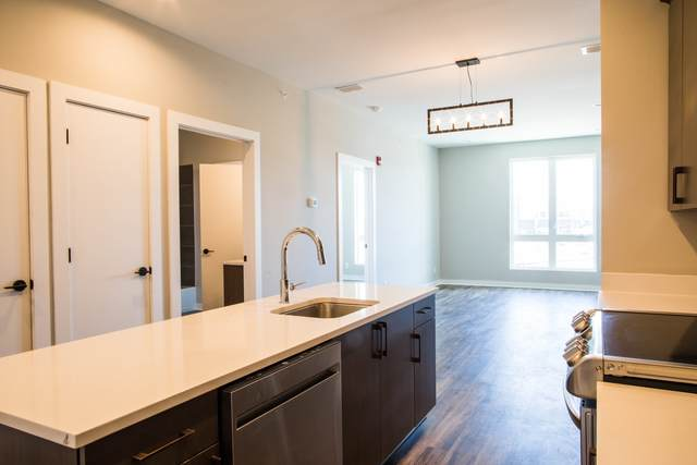 5403 Centennial Blvd #302, Nashville, TN 37209 (MLS #RTC2150132) :: Ashley Claire Real Estate - Benchmark Realty