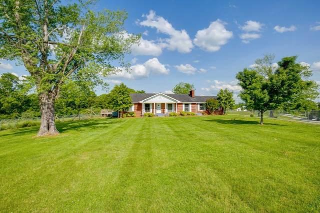 1221 Chapmansboro Rd, Chapmansboro, TN 37035 (MLS #RTC2150575) :: The Helton Real Estate Group