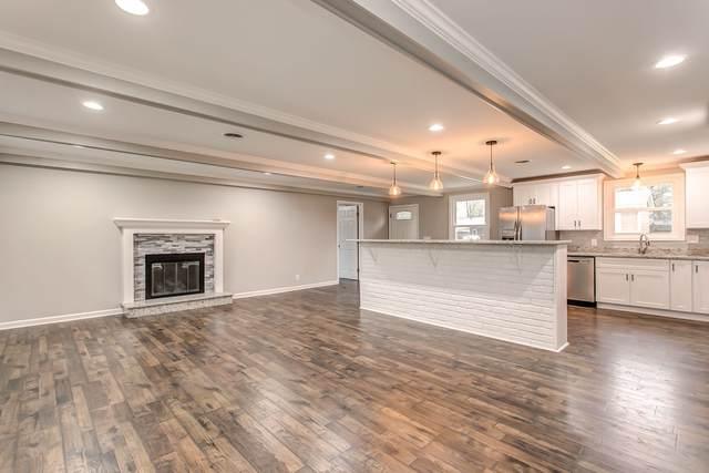 821 Victoria Dr, Franklin, TN 37064 (MLS #RTC2152032) :: RE/MAX Homes And Estates