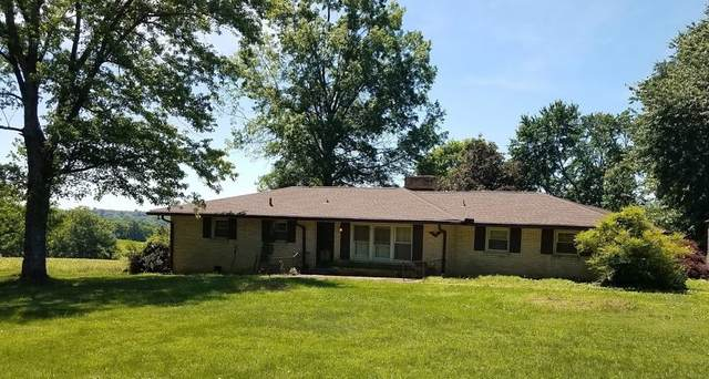 4053 Hillwood Estates Rd, Cedar Hill, TN 37032 (MLS #RTC2152575) :: The Group Campbell powered by Five Doors Network