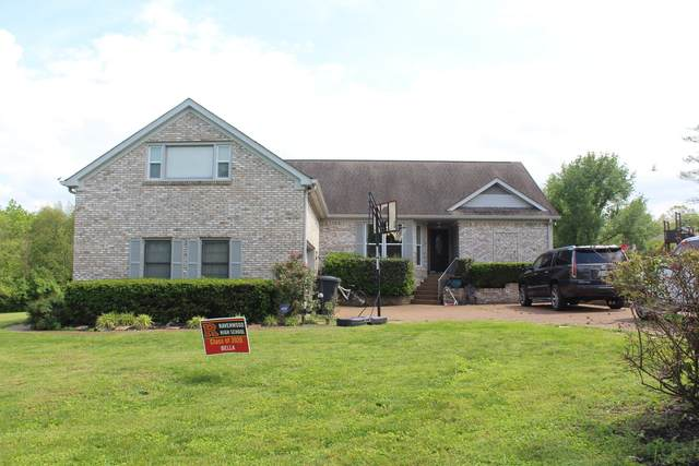 8369 Carriage Hills Dr, Brentwood, TN 37027 (MLS #RTC2153570) :: RE/MAX Homes And Estates