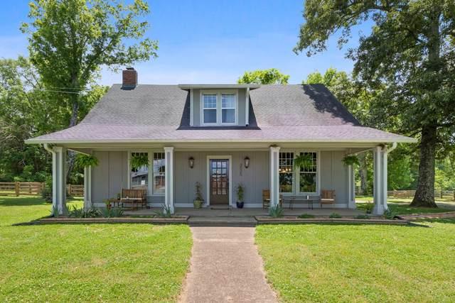 3525 Old Clarksville Pike, Joelton, TN 37080 (MLS #RTC2153914) :: Village Real Estate