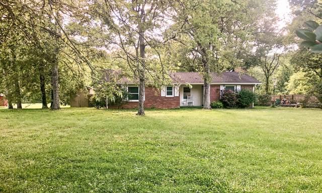 7415 Sawyer Brown Rd, Nashville, TN 37209 (MLS #RTC2155735) :: FYKES Realty Group