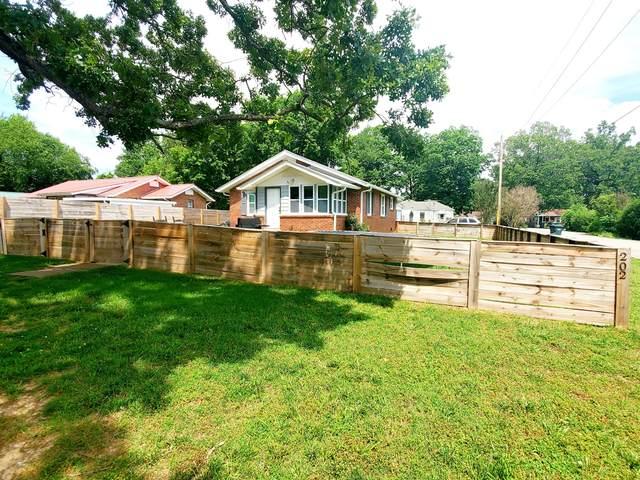 202 Parkway W, Dickson, TN 37055 (MLS #RTC2156290) :: DeSelms Real Estate