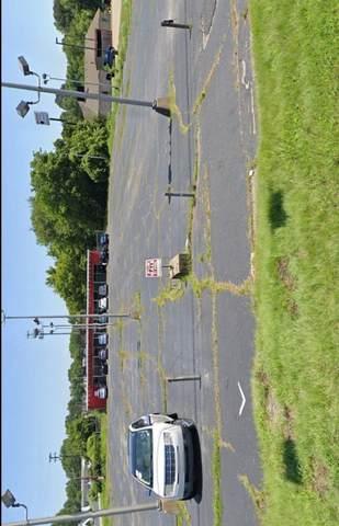 2861 Ft Campbell Blvd, Clarksville, TN 37042 (MLS #RTC2156524) :: Hannah Price Team
