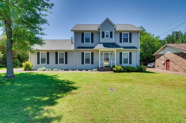 3204 Country Lawn Dr, Antioch, TN 37013 (MLS #RTC2156532) :: DeSelms Real Estate