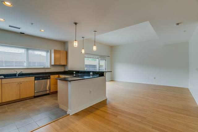 1101 18th Ave S #208, Nashville, TN 37212 (MLS #RTC2156576) :: DeSelms Real Estate