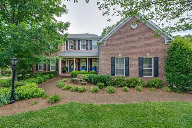 422 Woodcrest Ln, Franklin, TN 37067 (MLS #RTC2157114) :: Village Real Estate