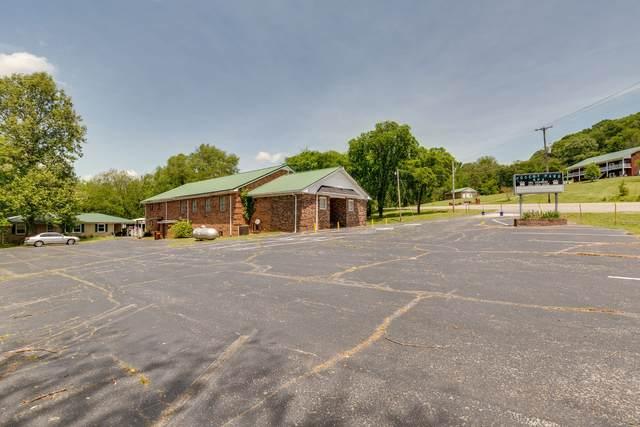 8302 Lawrenceburg Hwy, Mount Pleasant, TN 38474 (MLS #RTC2157211) :: DeSelms Real Estate