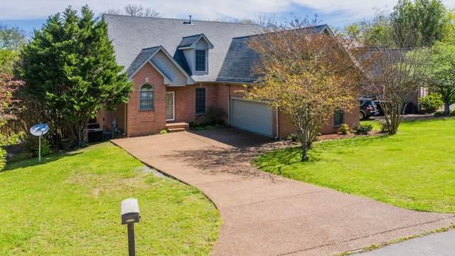1011 Creekglen Ct, Hendersonville, TN 37075 (MLS #RTC2157885) :: Village Real Estate
