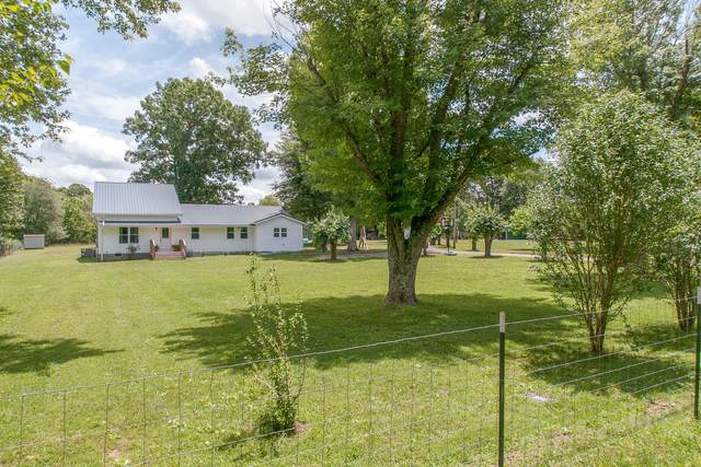1107 C C C Road, Dickson, TN 37055 (MLS #RTC2162747) :: Village Real Estate
