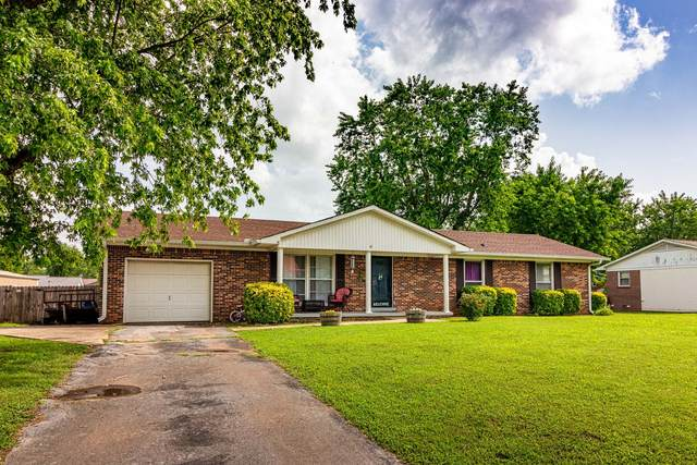 711 6th St, Lawrenceburg, TN 38464 (MLS #RTC2165919) :: The Group Campbell powered by Five Doors Network