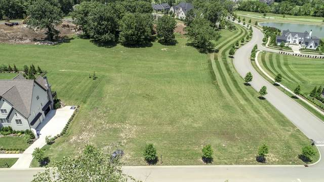 8228 Heirloom Blvd, College Grove, TN 37046 (MLS #RTC2167123) :: John Jones Real Estate LLC