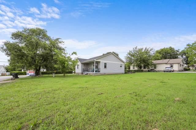 305 Cedar St, Lebanon, TN 37087 (MLS #RTC2167377) :: John Jones Real Estate LLC
