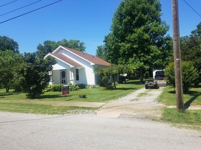 308 Elm Ave, Watertown, TN 37184 (MLS #RTC2168894) :: CityLiving Group