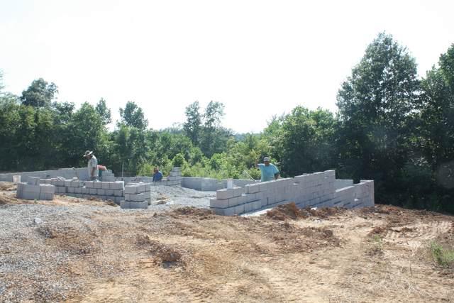 4 Warrioto Hills, Clarksville, TN 37040 (MLS #RTC2169115) :: Kimberly Harris Homes