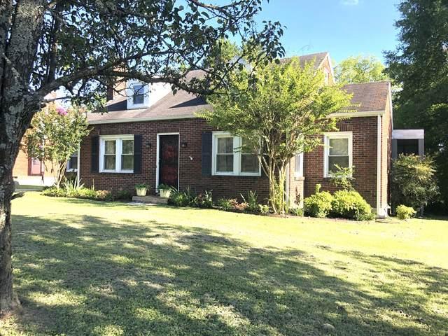 709 E College St, Pulaski, TN 38478 (MLS #RTC2170120) :: Village Real Estate