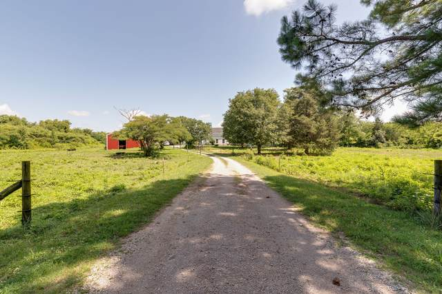 2791 Round Hill Rd, Lewisburg, TN 37091 (MLS #RTC2170620) :: CityLiving Group