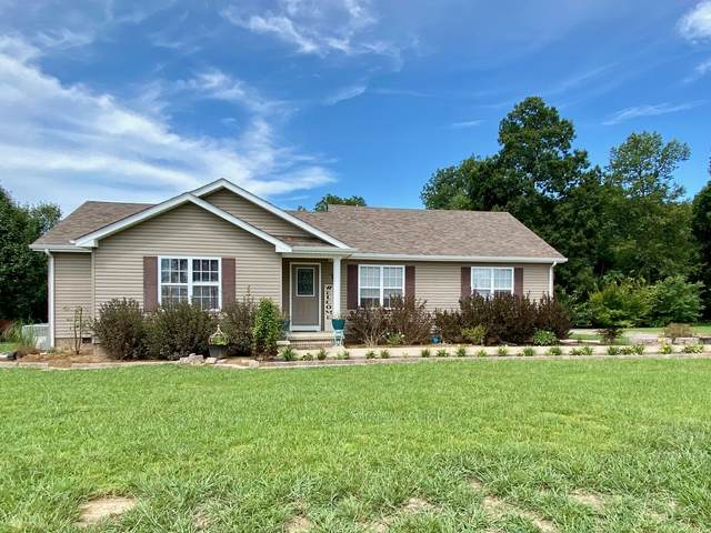 135 Taylor Ln, Lafayette, TN 37083 (MLS #RTC2173433) :: The Milam Group at Fridrich & Clark Realty