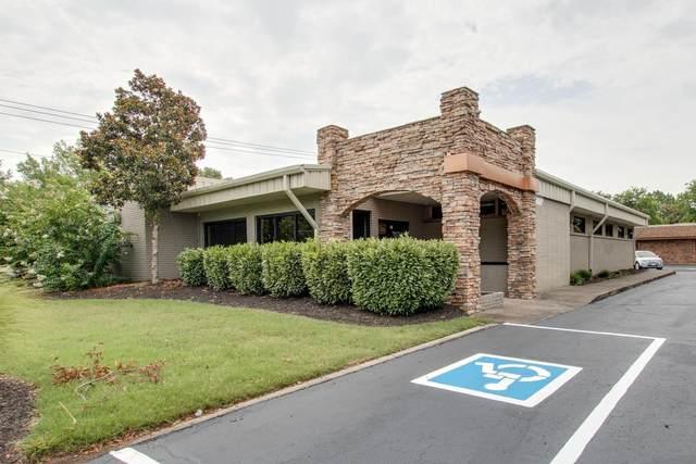 818 E Clark Blvd, Murfreesboro, TN 37130 (MLS #RTC2173462) :: Nelle Anderson & Associates