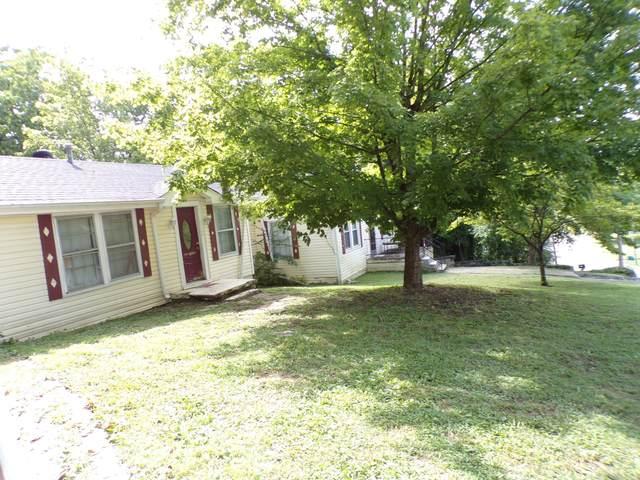 725 W Madison St W, Pulaski, TN 38478 (MLS #RTC2174435) :: Village Real Estate