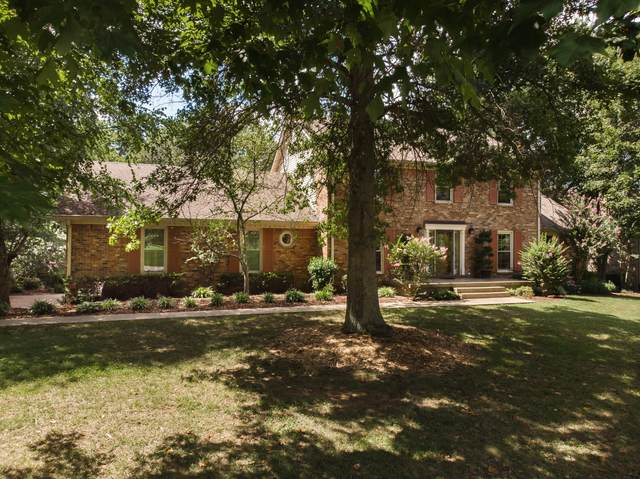 1104 Cross Creek Dr, Franklin, TN 37067 (MLS #RTC2174497) :: Nelle Anderson & Associates
