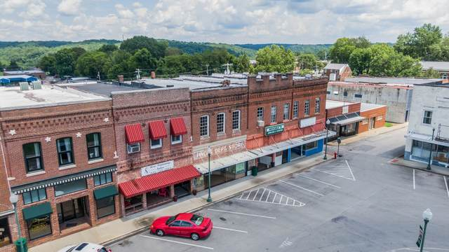 302 N Public Sq, Centerville, TN 37033 (MLS #RTC2175307) :: CityLiving Group