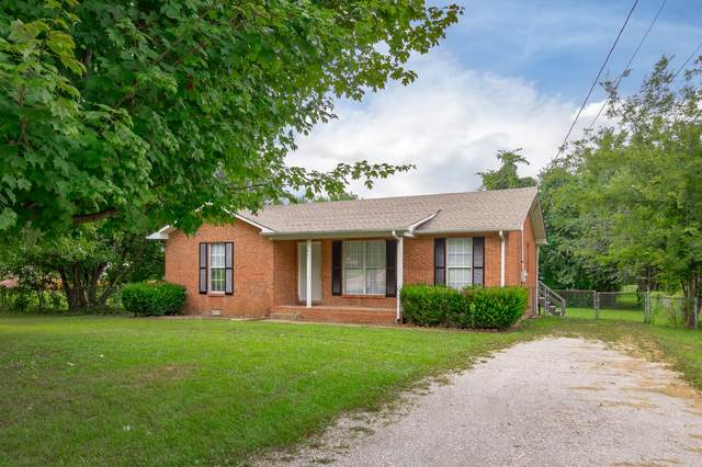 401 Pacific Ave, Oak Grove, KY 42262 (MLS #RTC2179077) :: DeSelms Real Estate